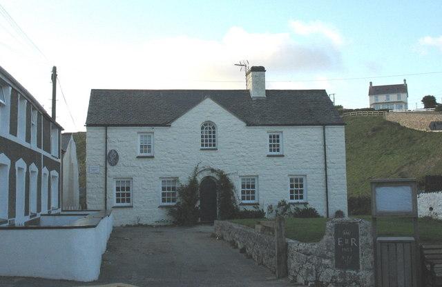 Yr Hen Lythyrdy - The Old Post Office