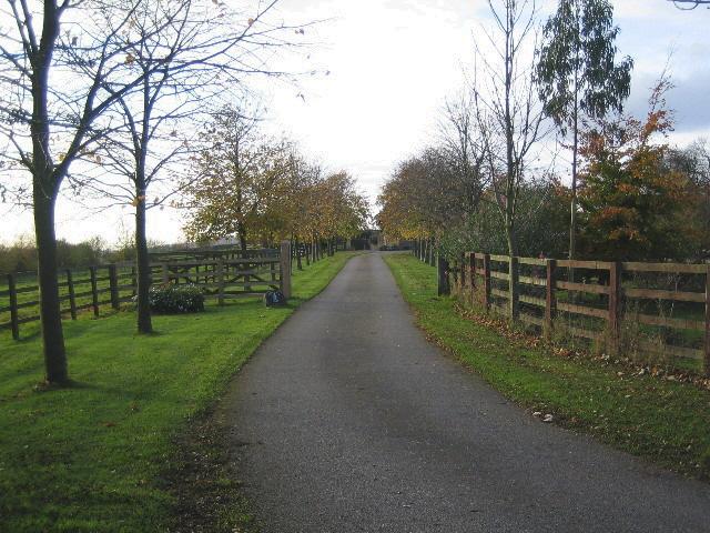 Driveway entrance to Spellar Park