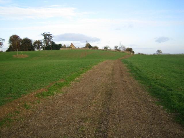 Unmapped earth track near Spellar Park