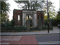 TQ3581 : Archway, Stepney by Dr Neil Clifton