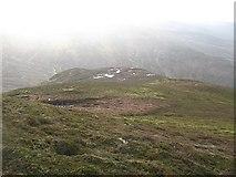 NN6754 : South west ridge of Geal Charn by Richard Webb