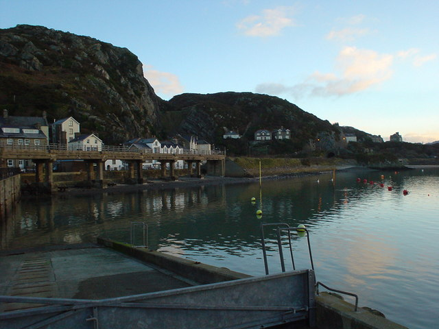 SH6115 Early morning on the Quay, Barmouth.