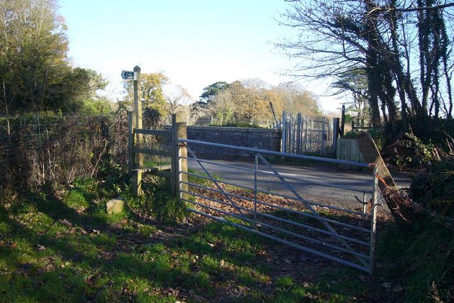 Footpath crossing road at Sparkwell bridge