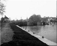 TQ1068 : Sunbury Lock, River Thames by Dr Neil Clifton
