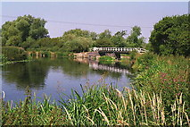 SK5815 : Mountsorrel - footbridge on Grand Union Canal towpath by Dave Bevis