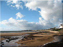 NT4999 : Elie beach by Gordon Hatton
