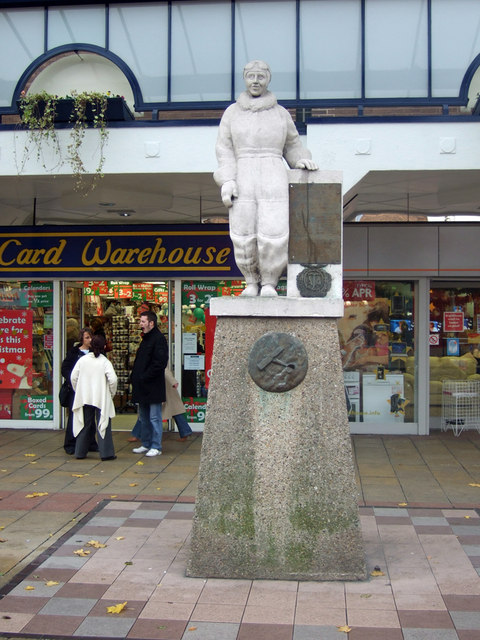 Statue of Amy Johnson, Prospect Street, Hull