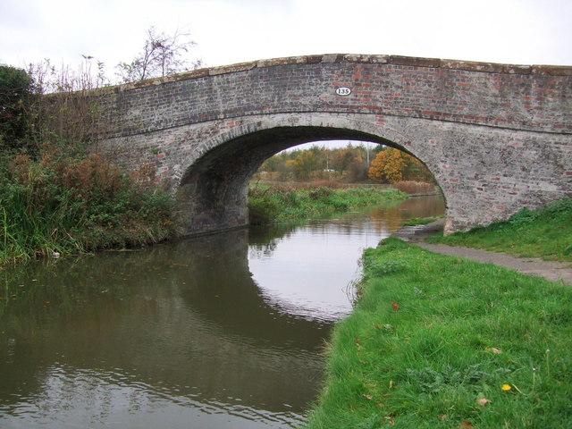 Canal bridge at Croughton