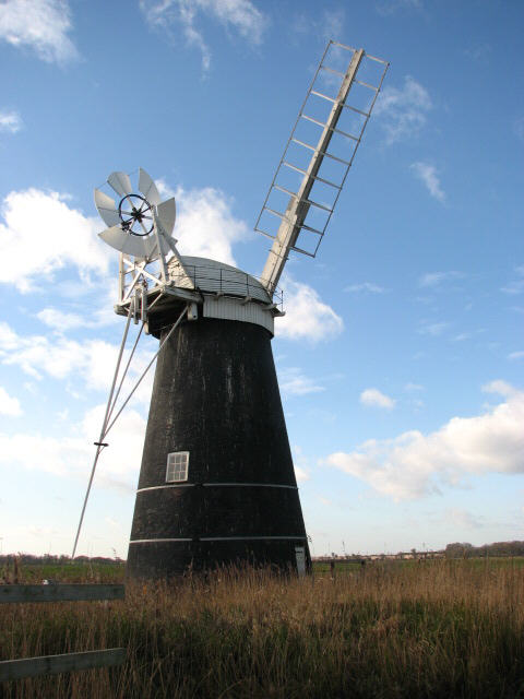 Mutton's Drainage Mill - with brandnew fantail