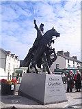 SJ0743 : Corwen's new statue of Owain Glyndwr by Ian West
