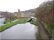SE1115 : Huddersfield Narrow Canal, Milnsbridge, Linthwaite by Humphrey Bolton