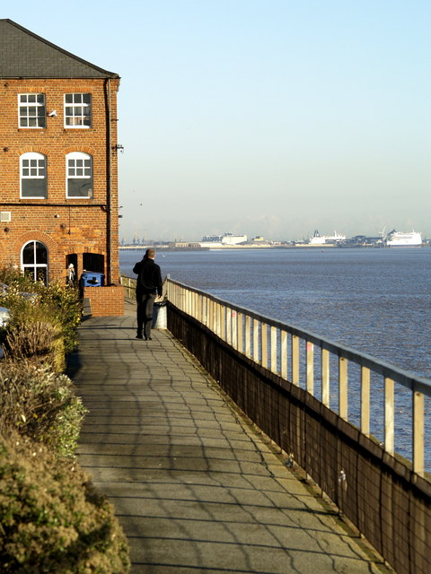 The River Humber frontage at St. Andrew's Quay
