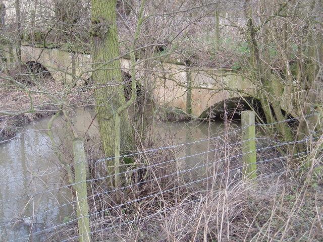Bridge - inflow of Wellesley lake