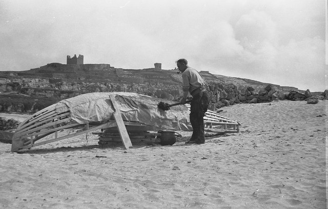 Tarring a Curragh, Inisheer, Aran Islands [2]