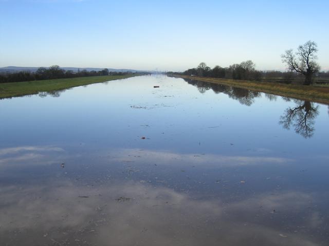 River Dee/Afon Dyfrdwy on Christmas Day 2007