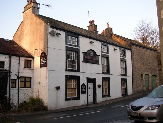 The White Lion, Halton