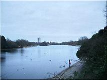 TQ2780 : The Serpentine, Hyde Park by Alexander P Kapp