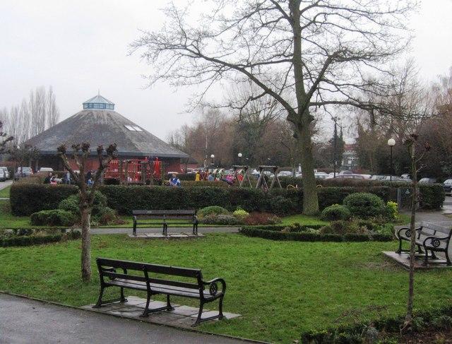 Leichlingen pavilion & play area