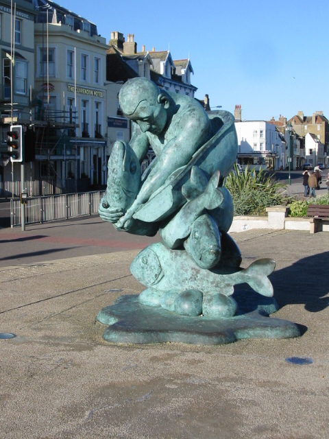 Sculpture at the entrance to Deal pier