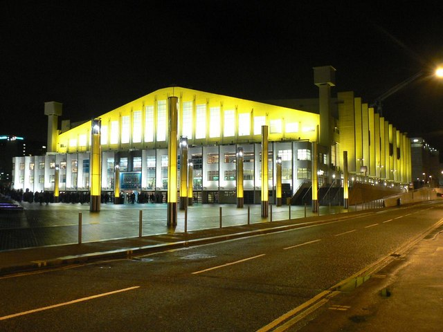 Wembley Arena: floodlit in yellow