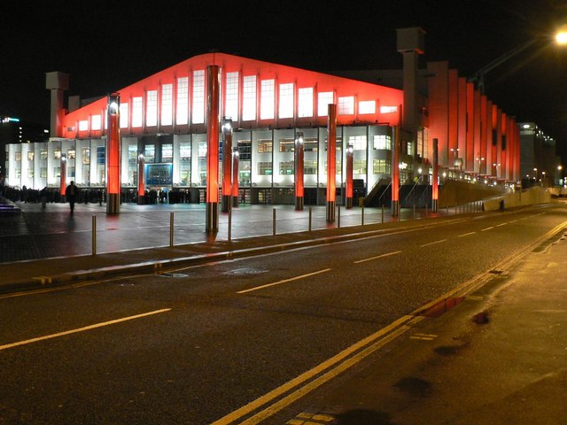 Wembley Arena: floodlit in red