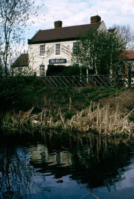 'The Wharf' public house - now derelict!