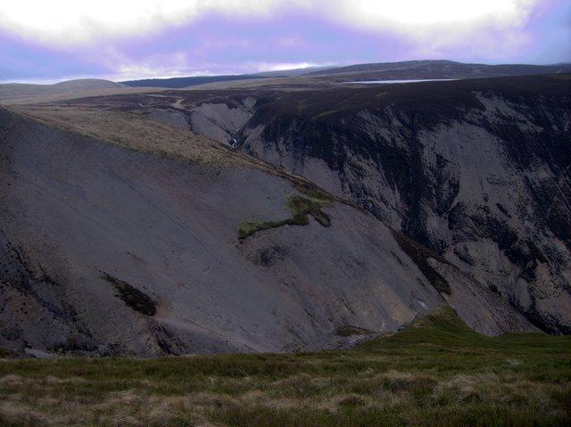 Scree slopes at the head of Cwm Dulas