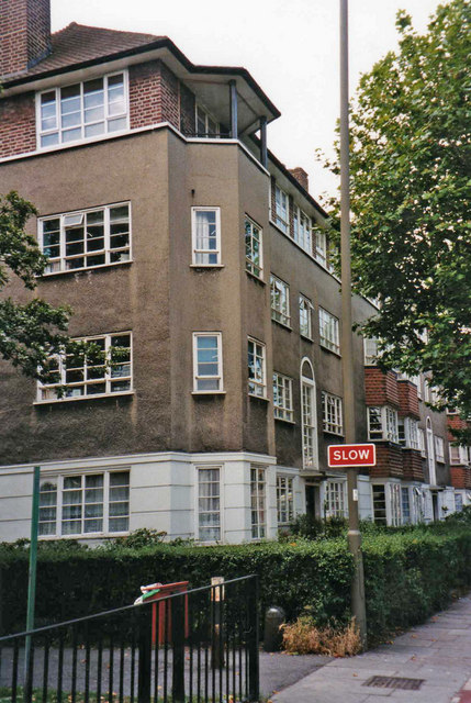 Block of Flats in Burntwood Lane, SW17