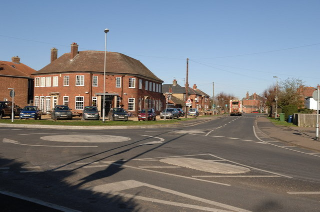 Roundabout at the entrance to Norwood Road
