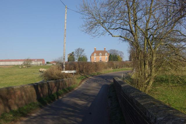 Approaching King's Newnham