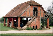 SO9568 : Avoncroft Museum: Granary from Temple Broughton, Worcs (late 18thC) by Mike Goodwin