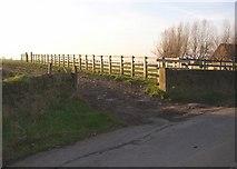 SE1220 : Eastern end of Elland path 20, Pinfold Lane, Fixby by Humphrey Bolton