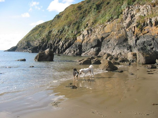 Beach and rocks under the coastal path at Porth Simdde