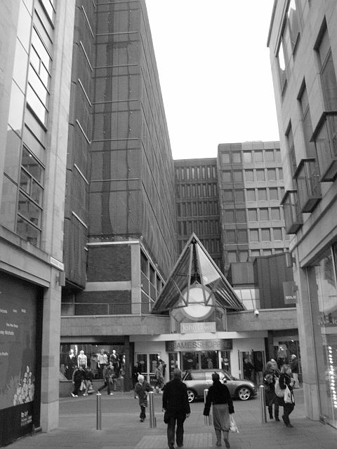 St James' Centre