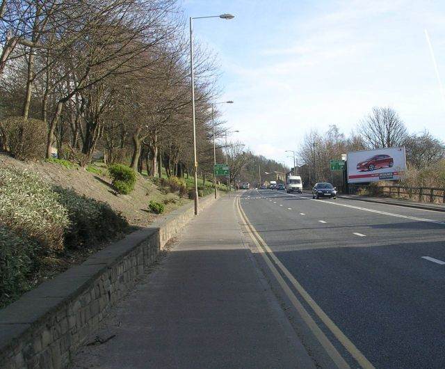 Wakefield Road - looking towards Earlsheaton