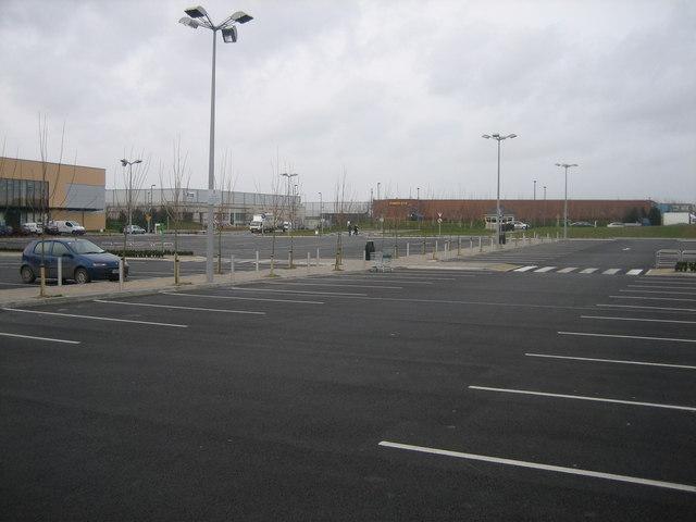 Retail Park, Fonthill Rd