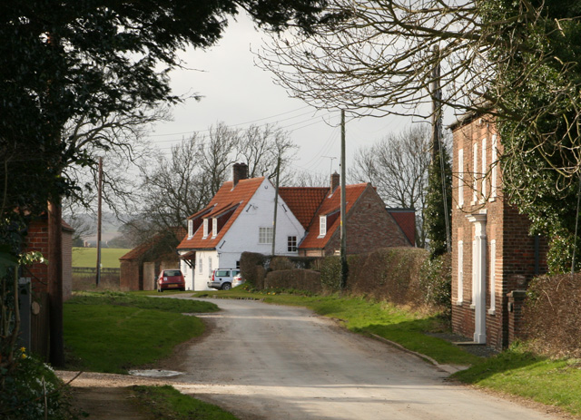 Cottages in Holme-on-the-Wolds