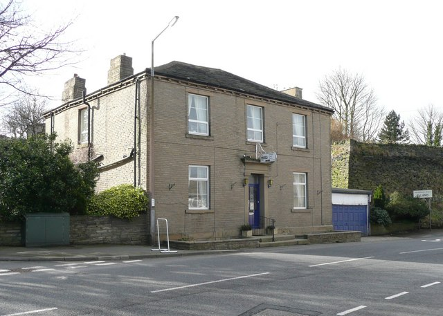 Pinfold Guest House, Dewsbury Road, Upper Edge, Fixby