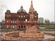 NS6064 : Doulton Fountain and People's Palace by Lynn M Reid