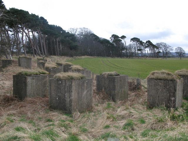Anti tank blocks, Hedderwick Sands