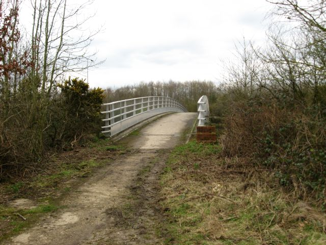 Footbridge over M25 cutting