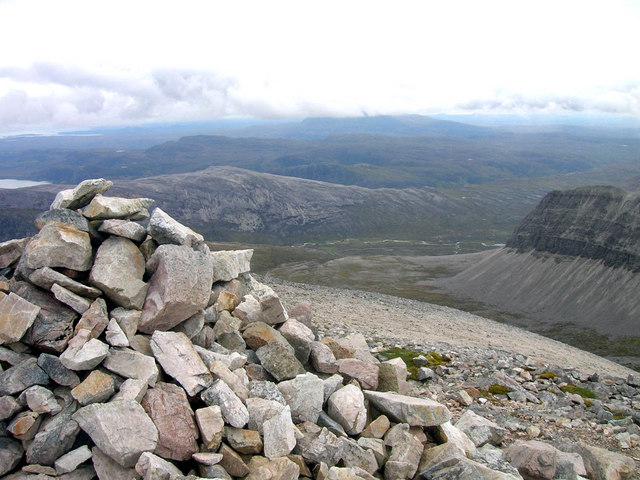 Foinaven-Ganu Mòr, western cairn