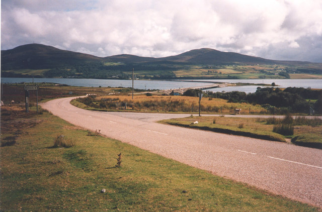 Kyle of Tongue road and turning for Kinloch