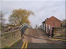 SE3017 : Road bridge over Calder and Hebble Navigation by Andrew Whale