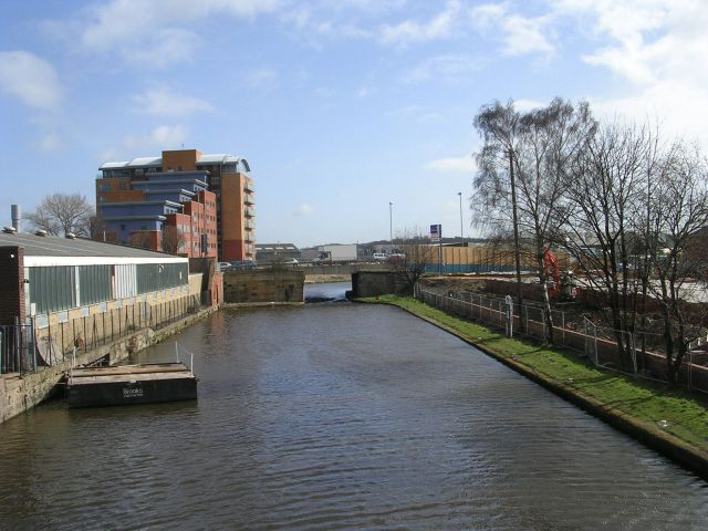 Calder & Hebble Navigation - from Bridge Street