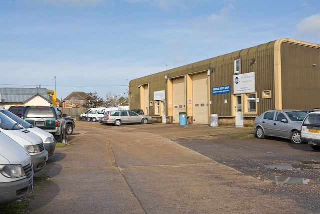 Business Units behind Jet filling station, Botley Road, Horton Heath