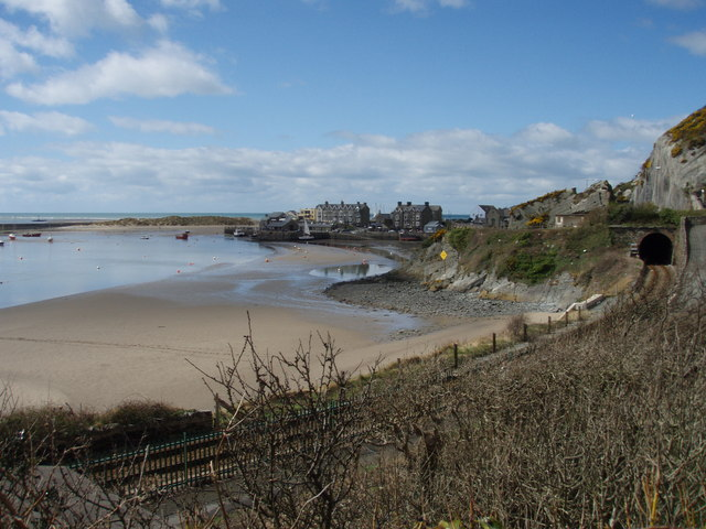 Barmouth Harbour from Orielton Gardens