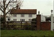 TL6804 : The farmhouse at Elm Farm by Robert Edwards