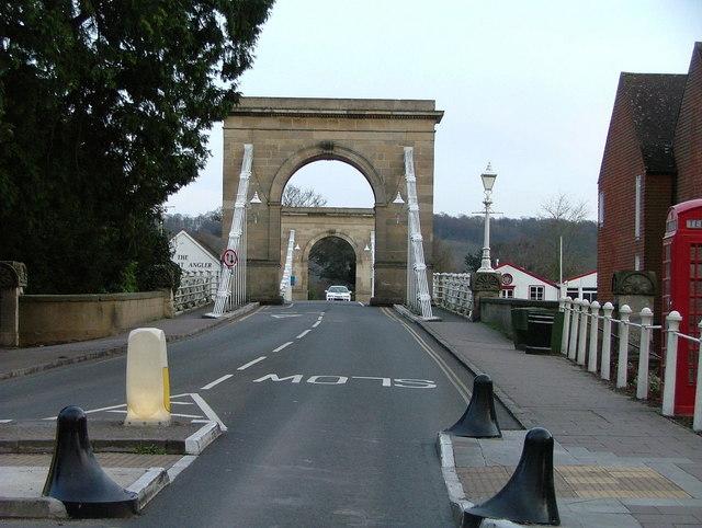Marlow bridge approach from Marlow