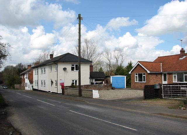 Approaching Reepham on Norwich Road